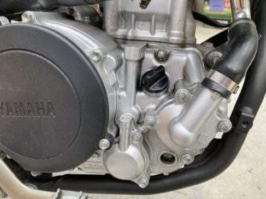 【バイク】WR250X/WR250Rのエンジンオイルとオイルフィルターの交換【オイル交換】【自分で交換】