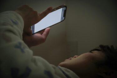 【SEIKO】 寝床にスマホを持ち込まないために目覚まし時計を買いました。 【BC402K】【シンプル】【簡単】【電波時計】【布団、ベッド】